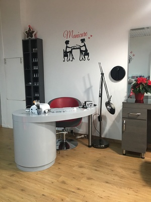 Lovely Hair Salon